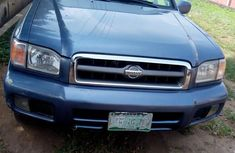 Sell cheap blue 2000 Nissan Pathfinder suv automatic in Lagos
