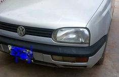 Need to sell high quality grey 2004 Volkswagen Golf automatic at price ₦450,000