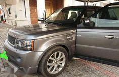 Sell super clean grey/silver 2008 Rover Land automatic
