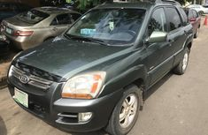 Sell well kept 2005 Kia Sportage automatic at price ₦1,180,000 in Lagos