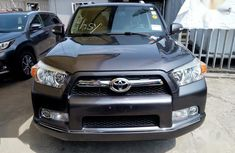 Selling authentic 2010 Toyota 4-Runner in Lagos