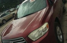 Need to sell high quality pink 2008 Toyota Highlander automatic at price ₦5,200,000