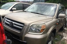 Clean gold 2006 Honda Pilot car for sale at attractive price