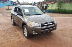 Sell very cheap clean grey 2009 Toyota RAV4 in Lagos