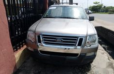 Need to sell grey 2008 Ford Explorer at mileage 113,000