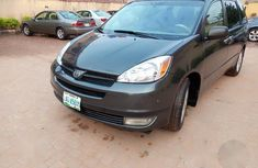 Sell used 2005 Toyota Sienna van / minibus automatic at price ₦1,350,000