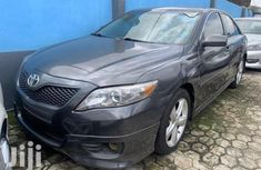 Sell well kept 2010 Toyota Camry automatic