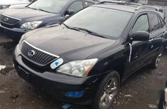Need to sell high quality 2006 Lexus RX at mileage 45,000 in Lagos