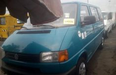 Need to sell high quality blue 2001 Volkswagen Transporter van manual in Lagos