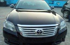 Sell 2010 Toyota Avalon sedan automatic in Lagos