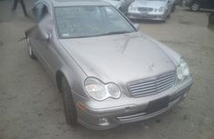 Need to sell used 2007 Mercedes-Benz C280 automatic in Lagos at cheap price