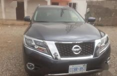 Nissan Pathfinder 2015 Gray color for sale