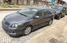 Sell grey 2009 Toyota Corolla automatic at cheap price