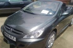 Clean and neat green 2003 Peugeot 307 for sale