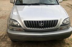 Neatly used grey 1999 Lexus RX automatic in Lagos