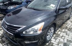 Best priced black 2013 Nissan Altima in Lagos