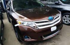 Clean 2014 Toyota Venza suv automatic for sale