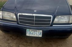 Best priced blue 2002 Mercedes-Benz 200E manual at mileage 80,624