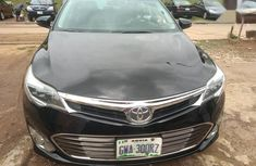Need to sell super clean black 2013 Toyota Avalon