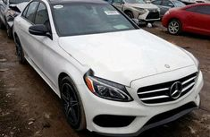 Sell white 2018 Mercedes-Benz C300 sedan automatic at mileage 0