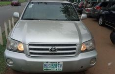 Sell well kept brown 2001 Toyota Highlander automatic at price ₦1,500,000