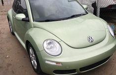 Selling green 2007 Volkswagen Beetle automatic