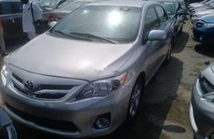 Clean and neat grey 2011 Toyota Corolla