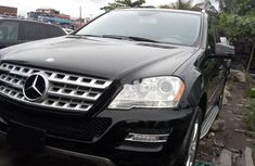 Clean black 2010 Mercedes-Benz ML350 car for sale at attractive price