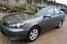 Selling grey 2005 Toyota Camry automatic at price ₦1,800,000 in Lagos