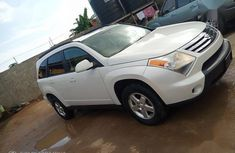 Well maintained white 2007 Suzuki XL-7 automatic for sale at price ₦2,500,000