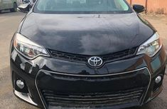 Sell black 2015 Toyota Corolla automatic at cheap price
