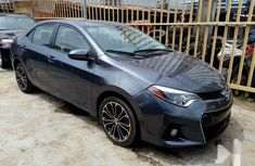 Selling 2016 Toyota Corolla automatic at mileage 65,000 in Lagos