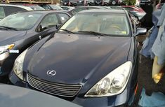 Selling authentic 2005 Lexus ES in Lagos