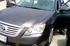 Very clean Toyota Avalon 2010
