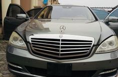 Need to sell used 2010 Mercedes-Benz S-Class automatic in Lagos at cheap price