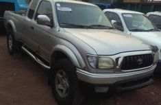 Sell well kept 2004 Toyota Tacoma at mileage 90,000