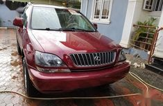 Clean and neat used 2000 Lexus RX suv in Lagos at cheap price