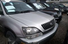 Sell well kept 1999 Lexus RX at mileage 90,000