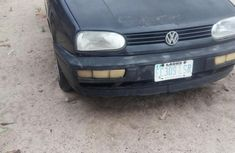 Sell used black 1999 Volkswagen Golf sedan at cheap price