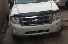 White 2009 Ford Escape suv for sale at price ₦1,570,000 in Ikeja
