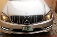 Sell grey 2009 Mercedes-Benz C350 sedan automatic at mileage 80,000