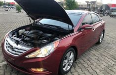 Used red 2013 Hyundai Sonata car automatic at attractive price
