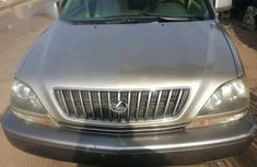 Need to sell high quality gold 2000 Lexus RX suv automatic