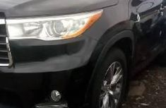 Well maintained black 2014 Toyota Highlander automatic for sale in Lagos