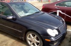 Clean and neat blue 2007 Mercedes-Benz C230 sedan at price ₦2,600,000 in Lagos