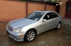 Sell 2007 Mercedes-Benz C280 sedan automatic at price ₦2,000,000 in Lagos