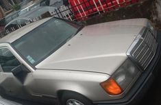 Very clean 1994 Mercedes-Benz 230E for sale at price ₦700,000