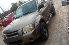 Sell well kept gold 2004 Nissan Frontier pickup at price ₦2,200,000