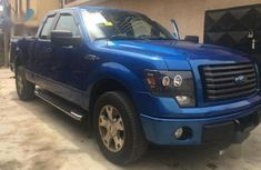 Clean and neat blue 2009 Ford F-150 for sale