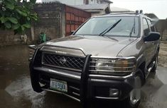Selling grey 2001 Nissan Pathfinder in Port Harcourt